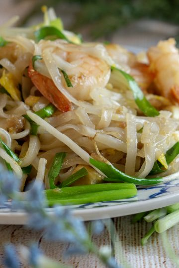 Shrimp Pad Thai, stir-fried noodle